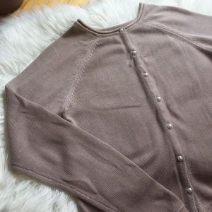 Tristan - Cardigan with pearl buttons